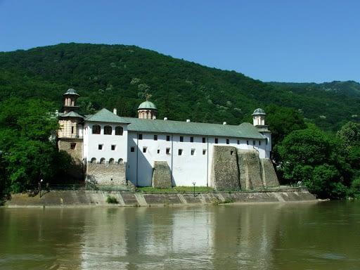 Pelerinaj manastiri Valea Oltului si Prahovei 2021