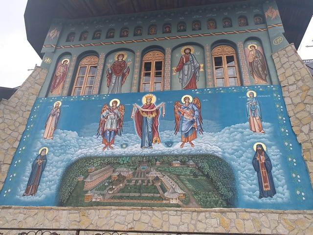 Pelerinaj la manastirile vasluiene